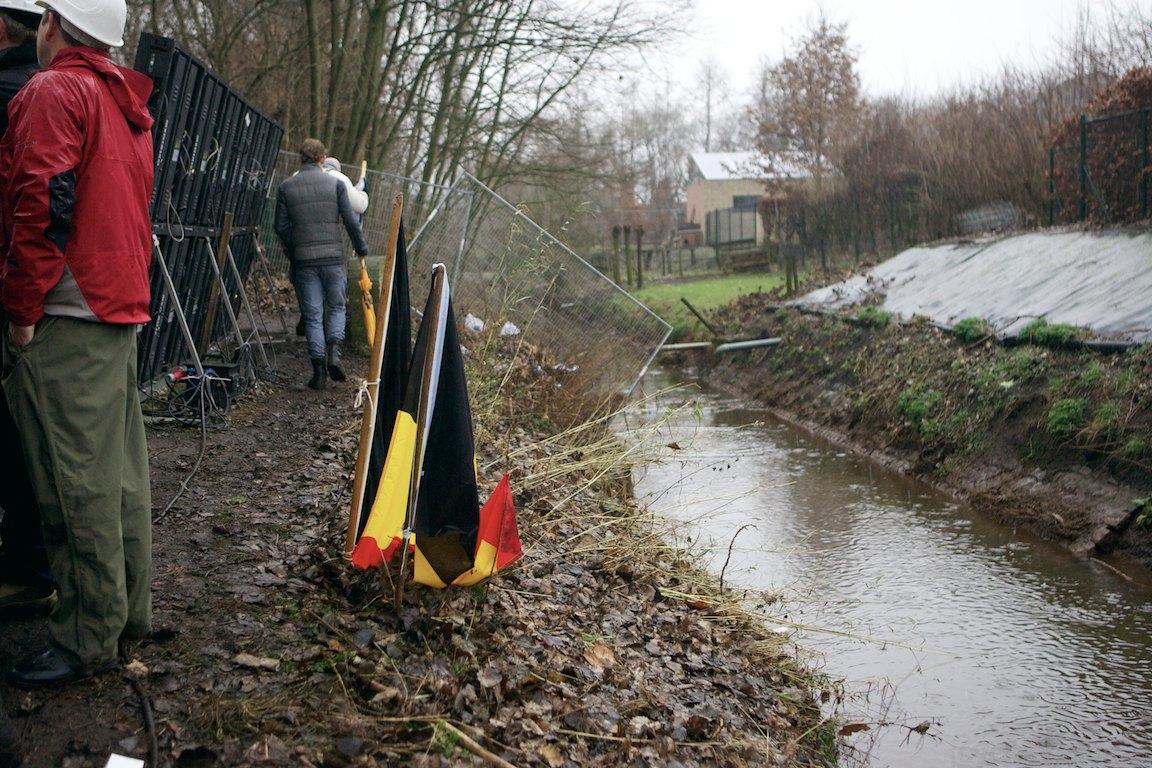 2013-cyclocross-bpostbanktrofee-loenhout-80-water