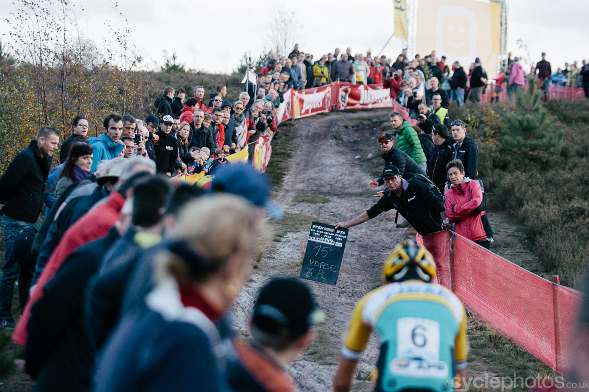 2014-cyclocross-superprestige-zonhoven-time-keeping-dude-170117