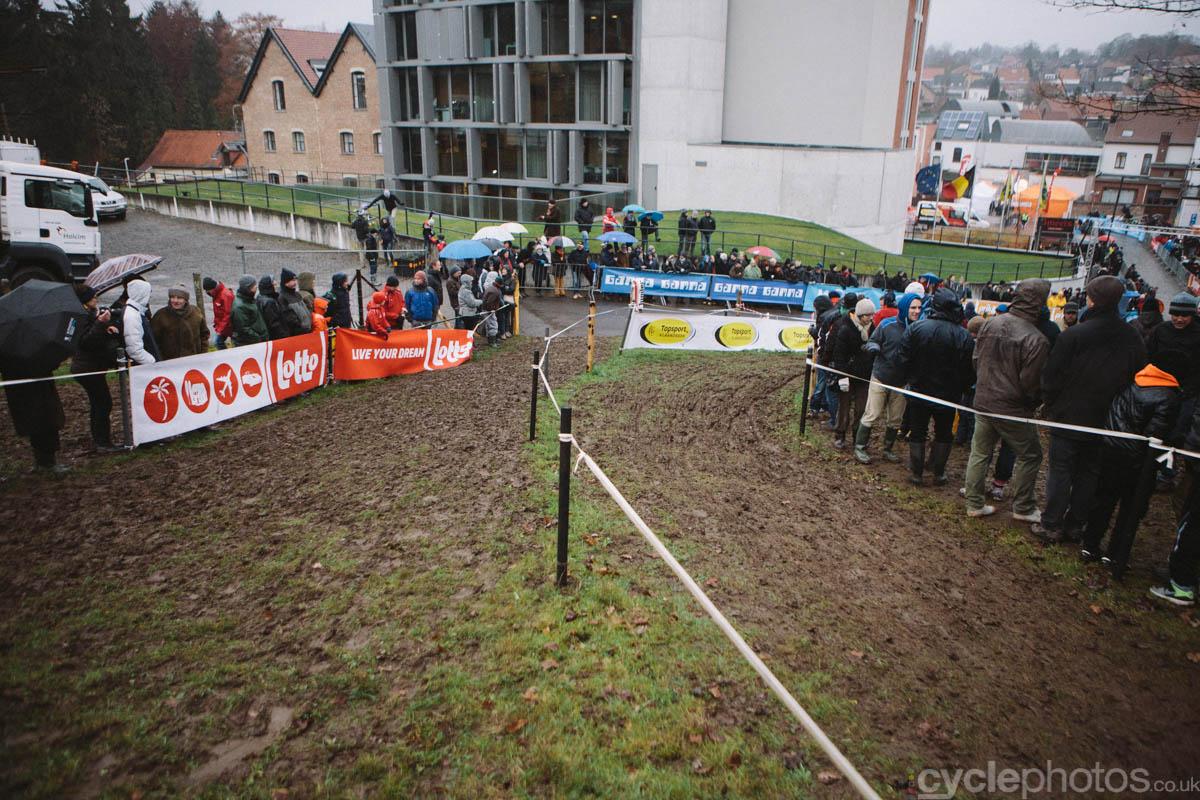 2014-cyclocross-overijse-mud-160411
