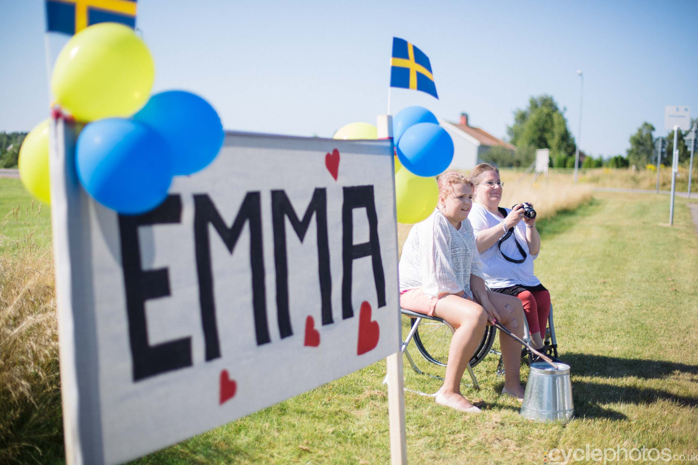 Emma Johansson fans during the 2015 edition of the Vargarda women's World Cup race