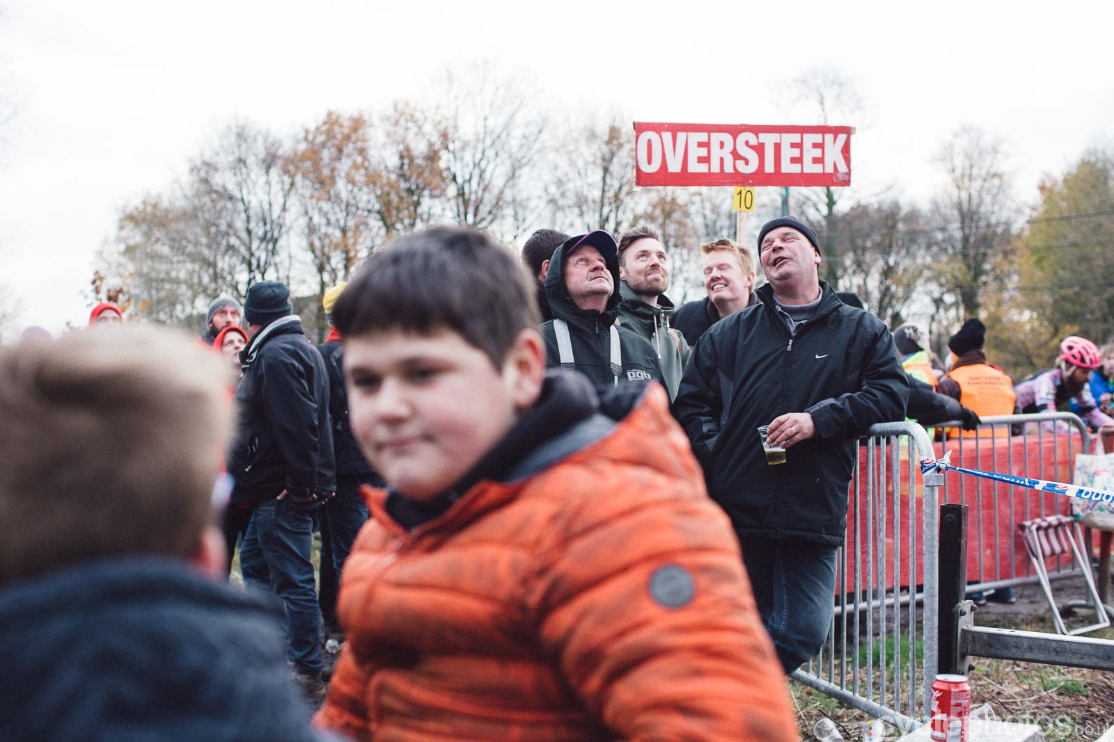 2015-cyclephotos-cyclocross-essen-154923-spectators