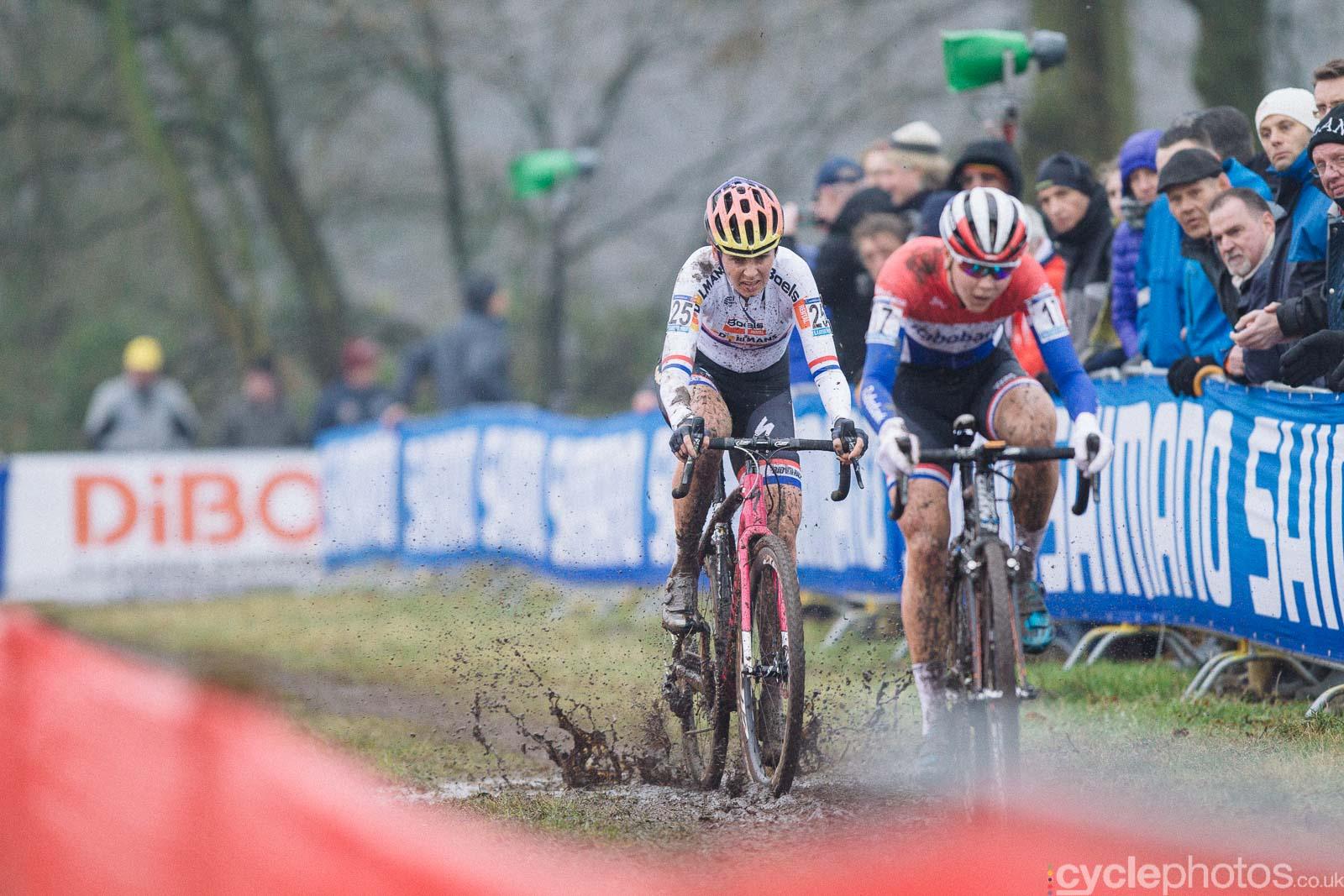 2016-cyclephotos-cyclocross-hoogerheide-140601-nikki-harris