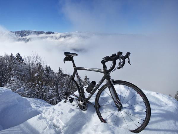 Lake Annecy below blocked by clouds