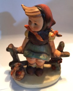 Hummel figurine No. 112