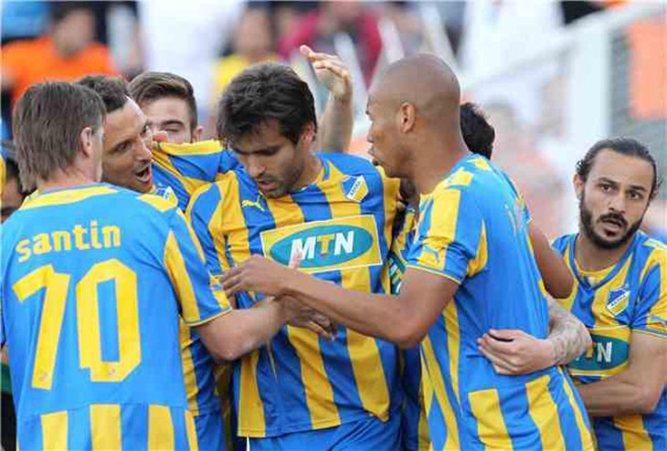 APOEL on top after 3-0 win
