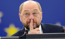 """Greece must introduce another currency if """"no"""" vote wins - Schulz"""