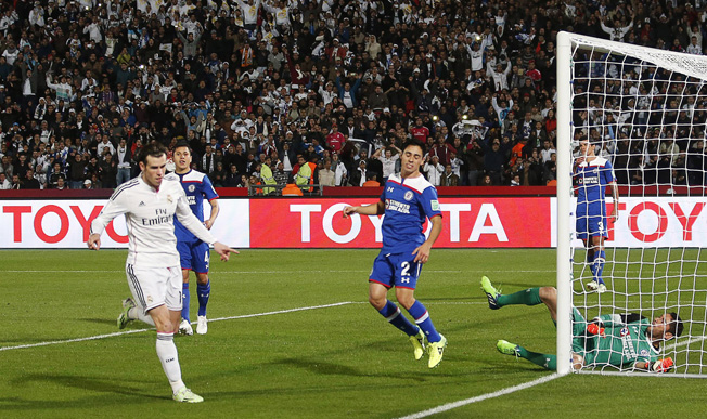 Real sail into Club World Cup final with 4-0 romp