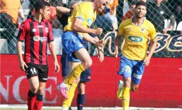 APOEL capitalise on Apollon slip-up to climb top of the table
