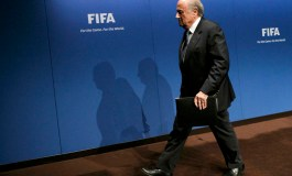 Blatter defies calls to quit asFIFAscandal widens (Update 2)