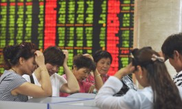 China shares fall again as Beijing scrambles to calm markets (Updated)