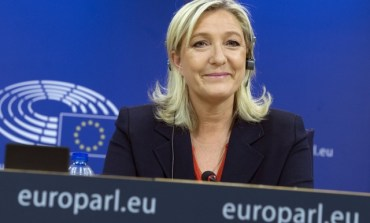 "Marine Le Pen lauds Greek vote as win over ""EU oligarchy"", German conservative Michael Fuchs attacks PM Tsipras"