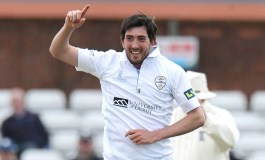 England call up Plunkett and Footitt for fourth test