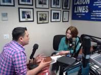 Elise y Jose hablando sobre LGBT