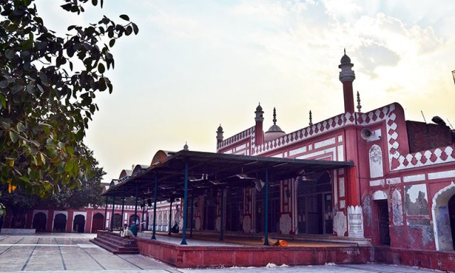 The mosque attached to the shrine. Photo by Abdullah Khan.