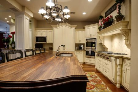 14 traditional kitchens 870x591