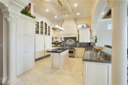 19z traditional kitchens 870x579