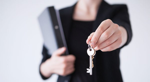 5 Reasons to Hire a Real Estate Professional When Buying or Selling! | Simplifying The Market