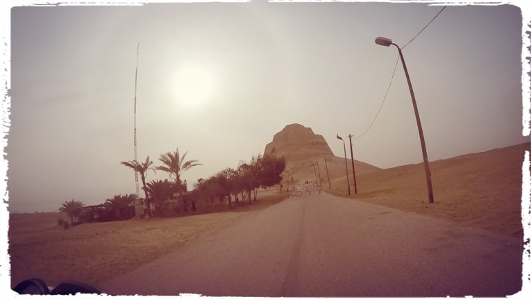 motorcycle through egypt, Cairo, Pyramid, the great pyramid, wanderlust, adventure, dagsvstheworld, dags VS egypt, RTW trip, Medium pyramid, al fayoum, medium pyramid