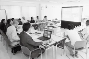 千葉・船橋の㈱ティーエスケー本社会議室で行われた説明会の様子