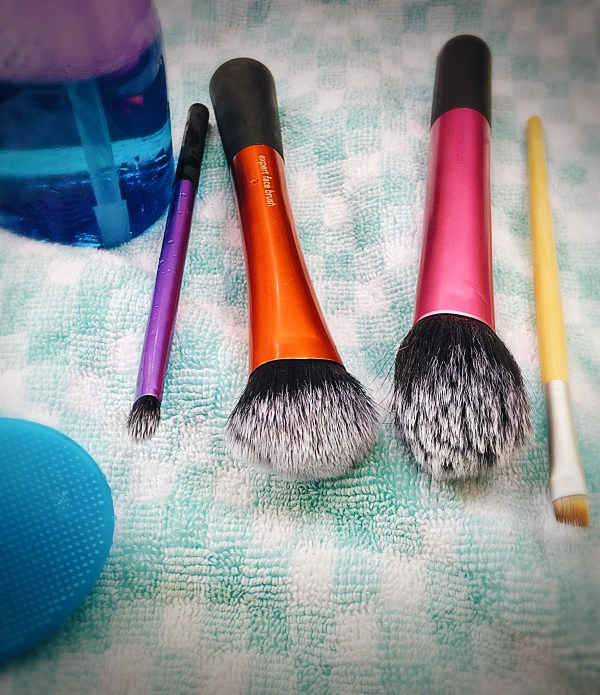 Clean Brushes in a Jiffy!