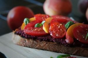 beet-hummus-crostini