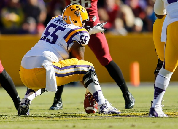LSU Elliott Porter gets ready to snap the ball to Mettenberger.