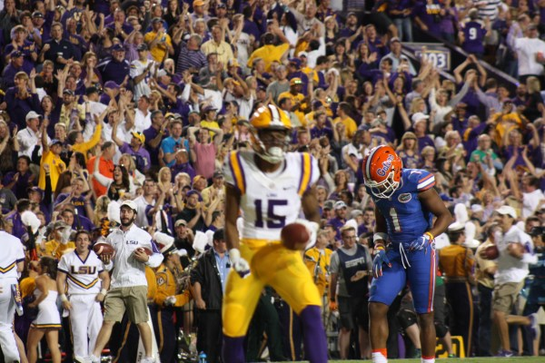 Notice the Gator db in the back knowing LSU Dupre just made a big play.