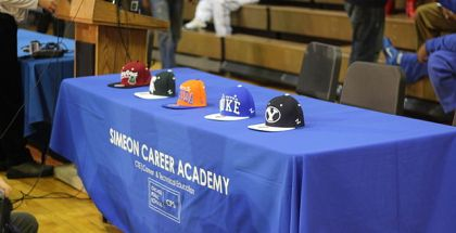 640px-20121220_Jabari_Parker_verbal_commitment_press_conference_team_hats