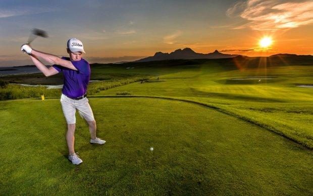 Midningt sun golfing. Photo: Visit Bodoe