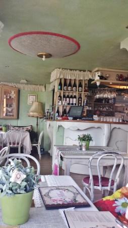 Shtastliveca's Interior and Bar