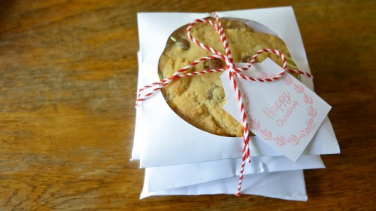 Cookie packaging in CD paper cases