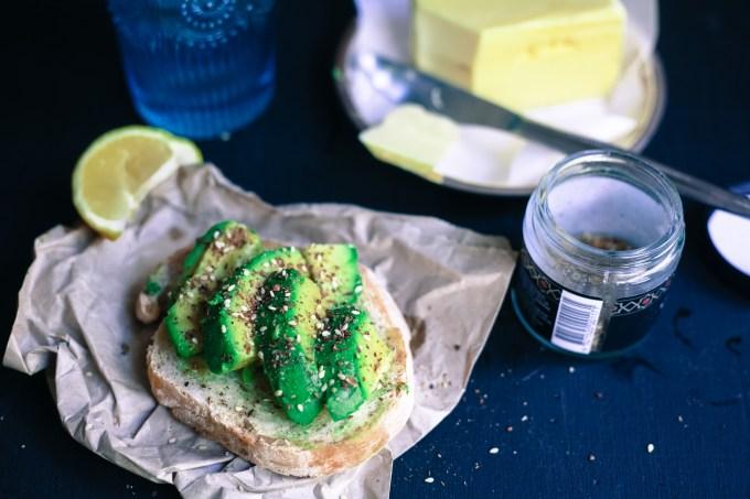 avocado and dukkah