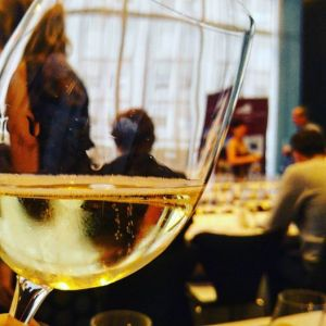 what-qualities-make-a-great-older-wine-pic-glass