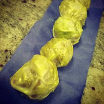 ... AND KINGS - Sunflower gianduja in Tikal milk chocolate with spicy Ras Al Hanout