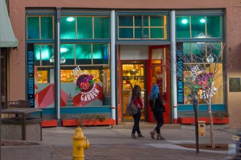 2012-01-18_Love Garden, 822 Massachusetts Street, Lawrence KS 66044_512px