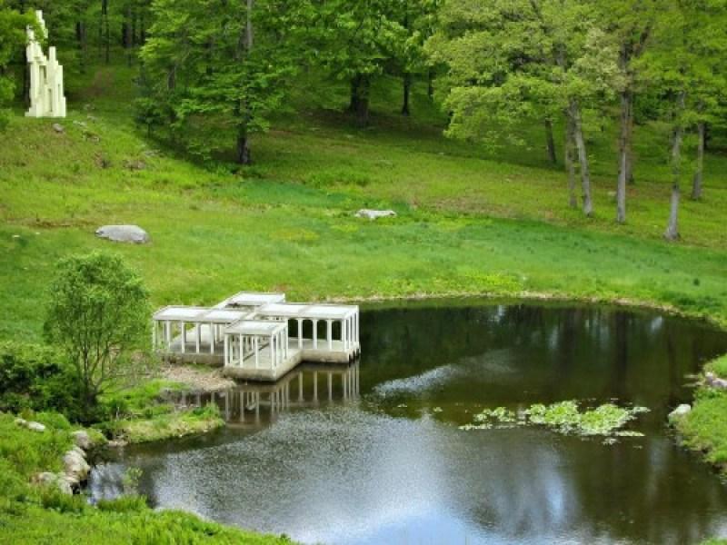 Glass-House-Pavilion-Kirstein-Tower-Philip-Johnson