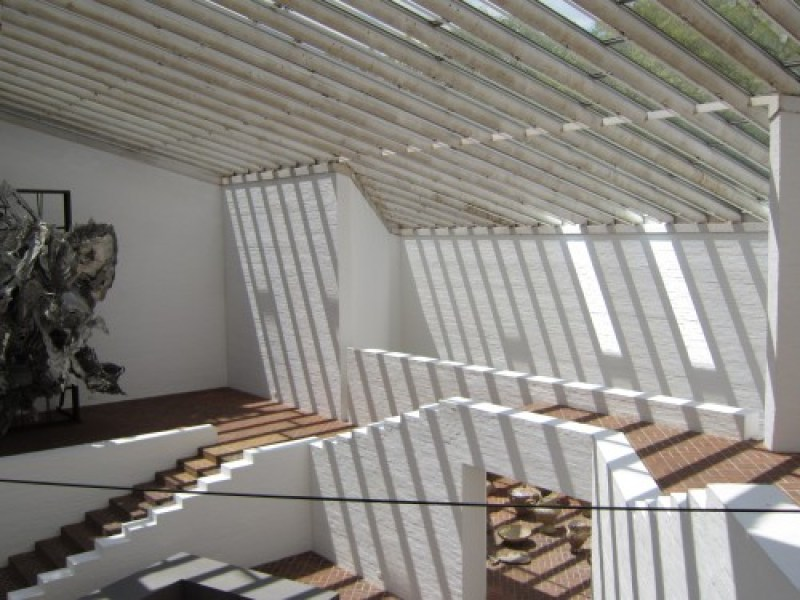 Glass-House-Sculpture-Gallery-Philip-Johnson