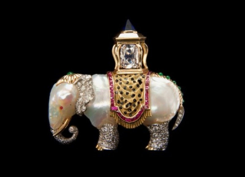 Verdura-Elephant-Brooch-c1957-photo-Jewels-du-Jour