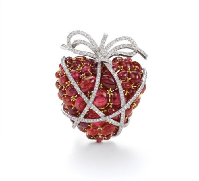 Verdura-Wrapped-Heart-Brooch-1949