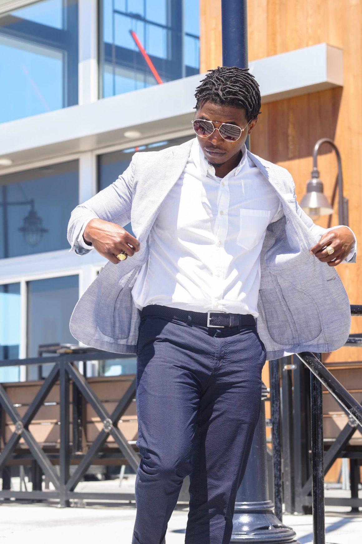 dapper advisor-black man wearing-linen blazer-seersucker pants-brown tassel loafers-3