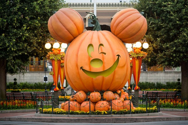 New Parade For Disneyland's Halloween Parties