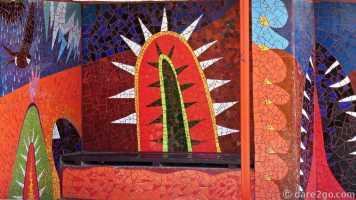 Paraderos Del Viento: El Tambo, detail of the west side