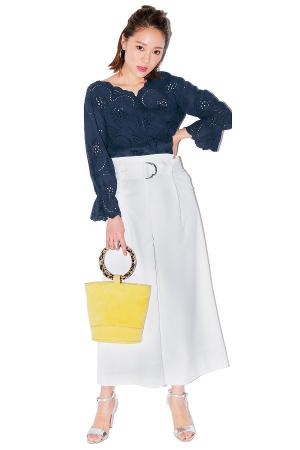 白パンツ夏コーデ16選|ショート丈からワイドまで、気になる靴合わせも!