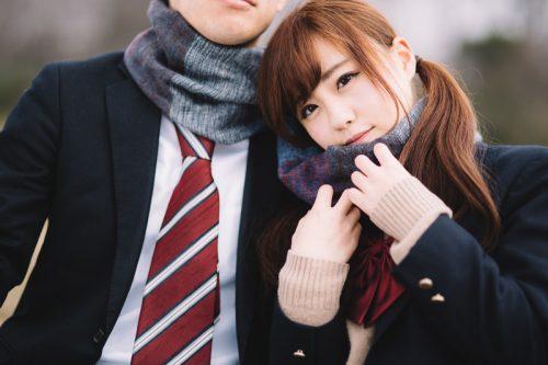 既婚者男女に調査!結婚相手を「学生時代から知っている」人の割合…案外少ない?