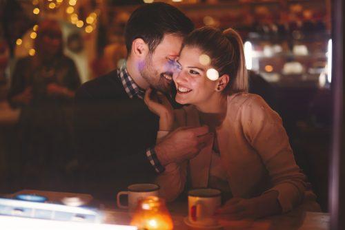 付き合って早い段階でプロポーズされる女子の4つの特徴