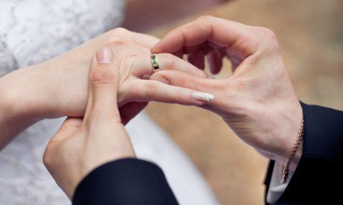 25歳前後で「早婚したい」学生が急増中!その理由っていったいなに…?