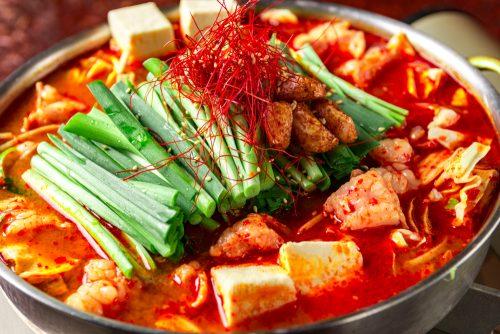 1044人が選んだ!好きな鍋の具ランキング一位は肉じゃないあの食材!