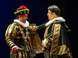 Alexander as Filippo ll and Fabián Veloz as Rodrigo