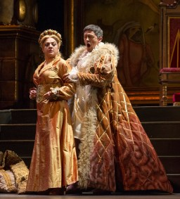 Tamar Iveri as Elisabetta and Alexander as Filippo ll