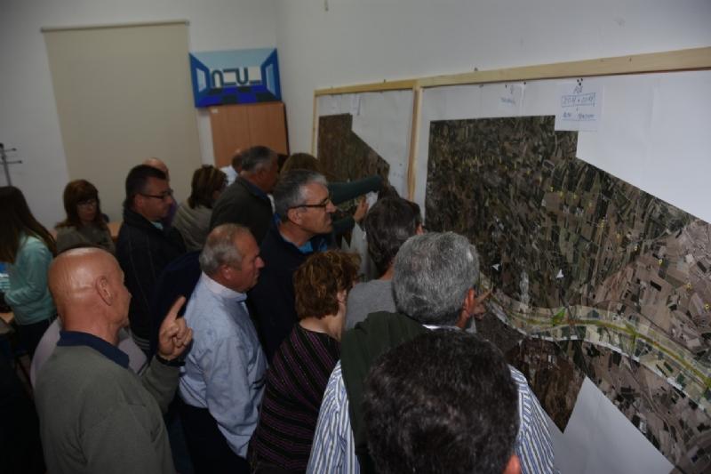 El alcalde agradece a la plataforma AVE Totana-Fuerza Ciudadana su implicación para informar y asesorar a los afectados sobre el nuevo trazado propuesto por Adif